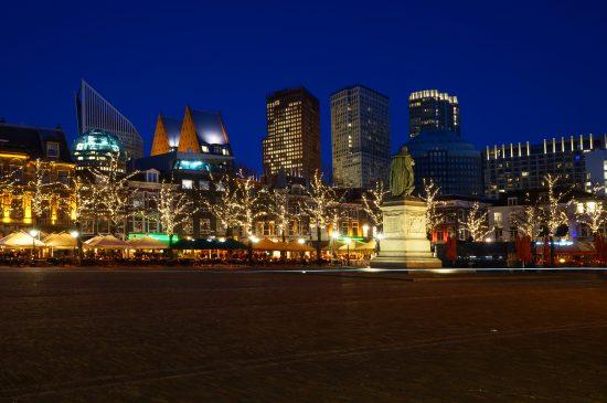Den Haag Plein und Skyline